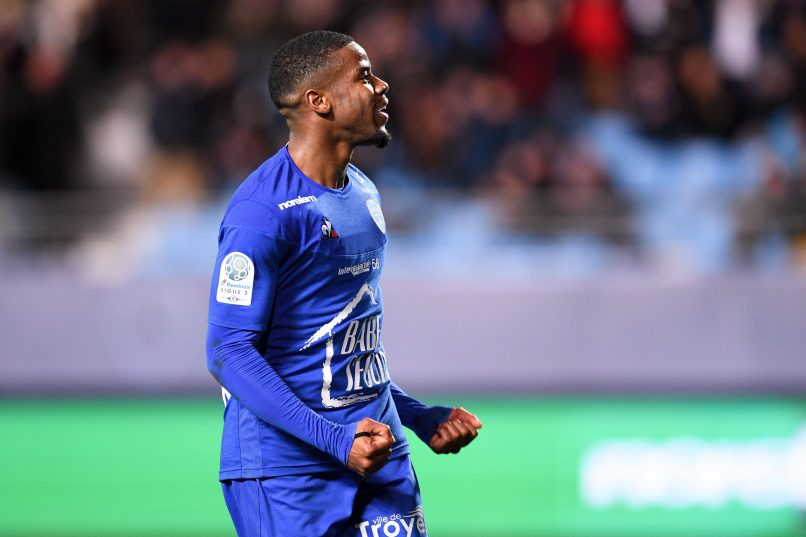 Official Metz Sign Midfielder Warren Tchimbembe From Estac Troyes Get French Football News